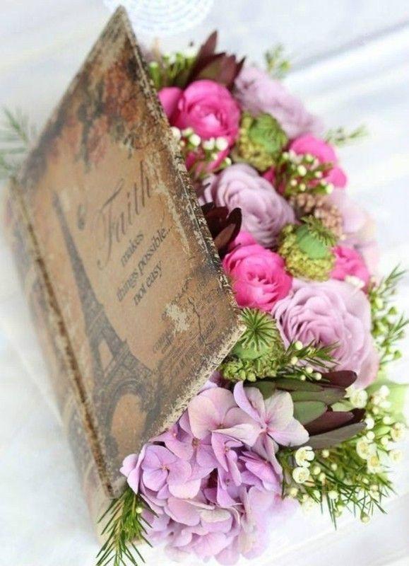 Livre, fleurs