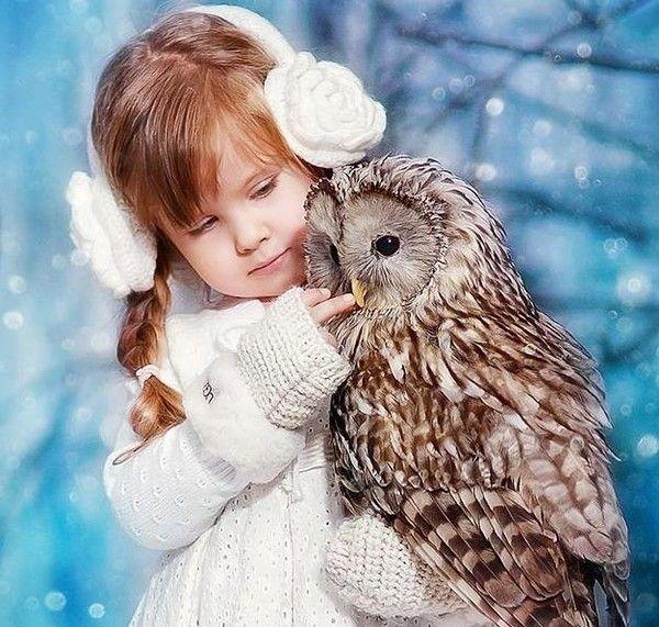 Hibou et petite fille