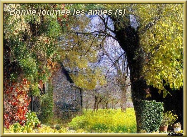 Maison ancienne et automne